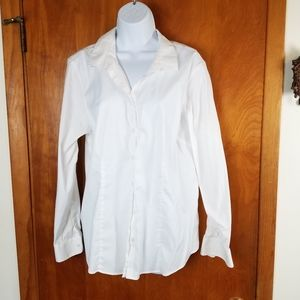 Eddie Bauer  Stretch Wrinkle Resistant  Blouse